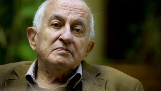 صورة الكاتب الإسباني البارز يناقش الطغيان غويتسولو: من يكتب رواية الثورة؟